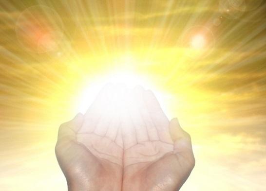 浄霊とは何か?浄霊の意味・効果、浄霊と除霊の違い
