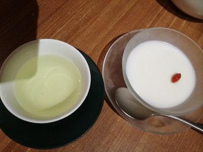 杏仁豆腐と菊花茶