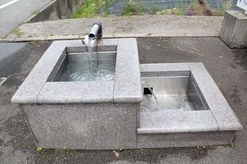 高瀬湧水の庭