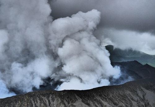 阿蘇山噴火を霊視で未来予知・予言していた霊能者